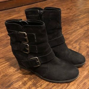 Unisa Wedge Booties
